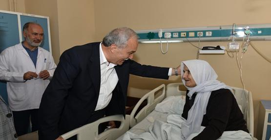 Fakıbaba Hastaların Bayramını Kutladı