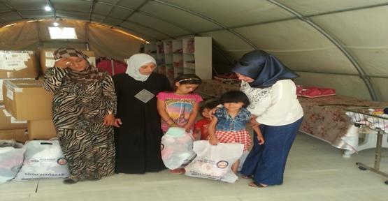 Suriyeli 14 Bin Çocuğa Kıyafet Yardımı