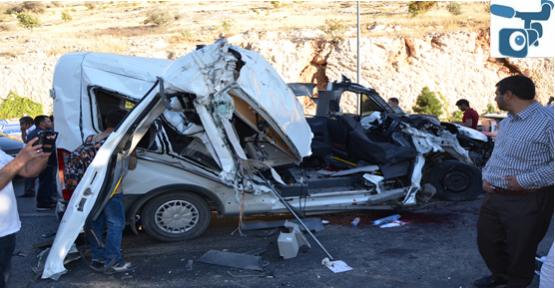 Urfa'da Öğrencilerin Bulunduğu Servis Kaza Yaptı