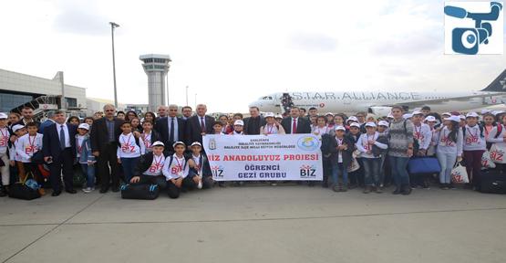 """""""Biz Anadoluyuz"""" Projesinde 180 Öğrenci İstanbul'a Uçtu"""
