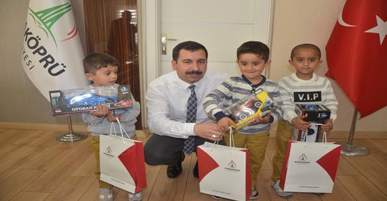 Suriyeli üçüzlere Baydilli Sahip Çıktı
