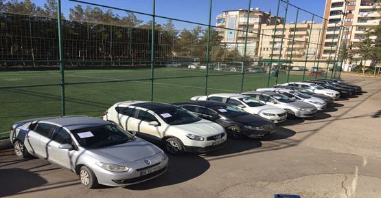 Lüks otomobil hırsızları Şanlıurfa'da yakalandı