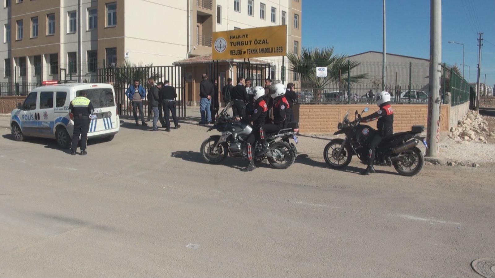 Şanlıurfa Polisten Okul Önlerinde Denetim