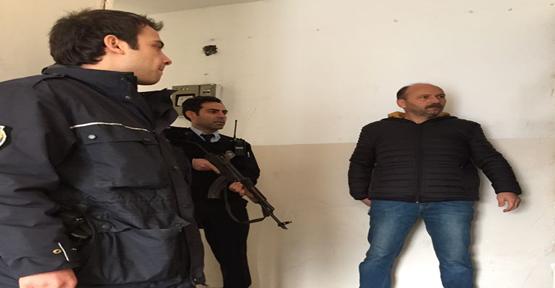 Urfa'da Polis O Evleri Denetledi