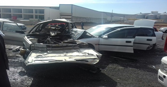 Urfa'da İki Otomobil Çarpıştı, 5 Yaralı