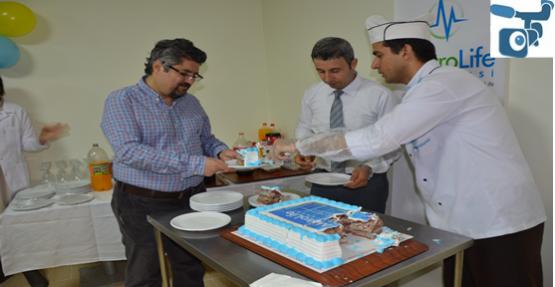 Özel Metrolife Hastanesine Tıp Bayramı Pasta Kesilerek Kutlandı