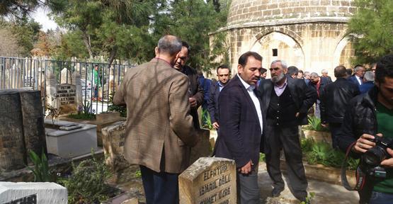 Tenekeci Mahmut Mezarı Başında Anıldı