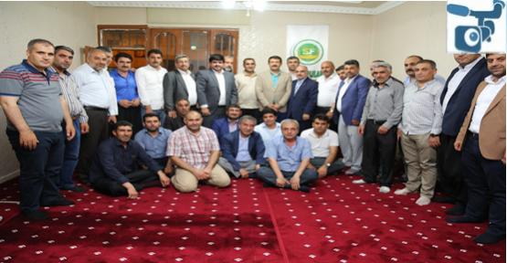 Ekinci, Şeyhanlılar Federasyonu üyeleriyle iftar sonrası bir araya geldi