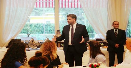 Büyükelçi Önen'in Bayram mesaisi