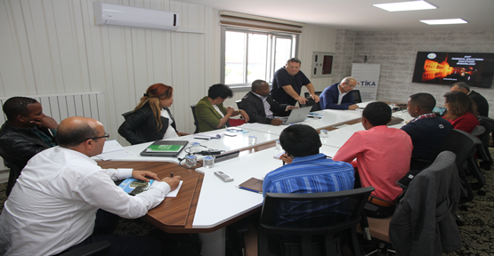 Madagaskarlı Mühendisler Urfa'da Buğday ve Mısır Eğitimi Alıyor