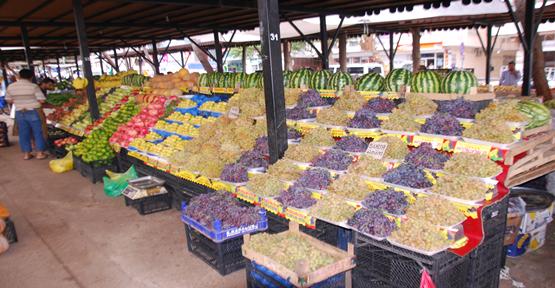 Pazarda Sebze ve Meyve Fiyatlar El Yakıyor