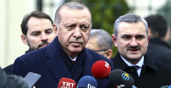 """Erdoğan'dan """"Askerlik Kısalacak mı?"""" Sorusuna Yanıt: Değerlendireceğiz"""