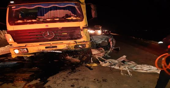 Urfa'da Otomobil Kamyon İle Çarpıştı, 1 Ölü
