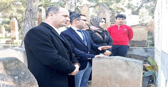 Şanlı Nesil Okulları Öğrencileri Ve Öğretmenleri Şehit Mezarını Ziyaret Etti