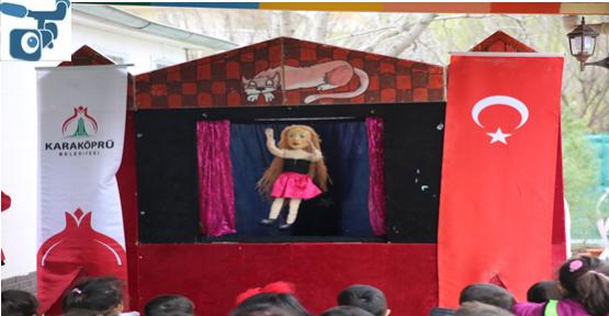 Karaköprü'de Çocuklar Kukla Gösterisiyle Eğlendi