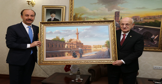 TBMM Eski  Meclis Başkanı Kahraman Valiliği Ziyaret Etti