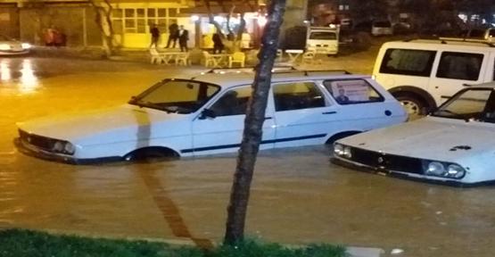 Urfa'da Aşırı Yağış Sele Neden Oldu