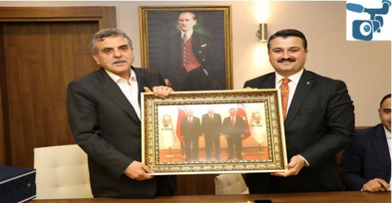 AK Teşkilattan Başkan Beyazgül'e Ziyaret