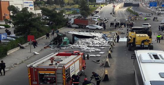 Şanlıurfa'da Feci Kaza, 1'i Ağır 4 Yaralı