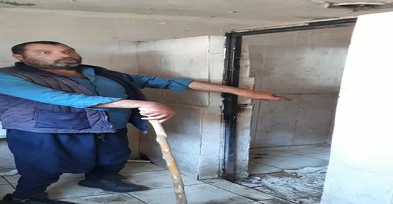 Hırsızlar Tuvalet Kapılarını Çaldılar