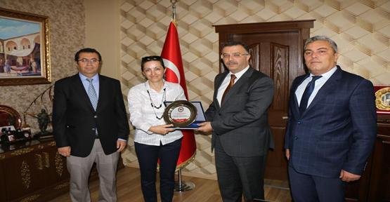 Karaköprü Ortaokulundan Başsavcı Öztoprak'a Teşekkür Ziyareti