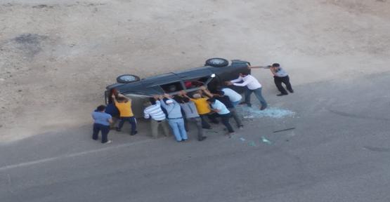 Urfa'da Yine Aynı Kavşak Yine Kaza, 3 Yaralı