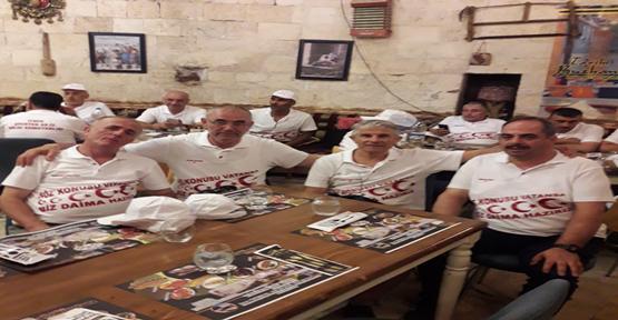 83 Askerlik Arkadaşı 35 Yıl Sonra Şanlıurfa'da Buluştu