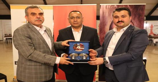 Cemil Çadak, Büyükşehir Belediyesi Başkan Danışmanı oldu