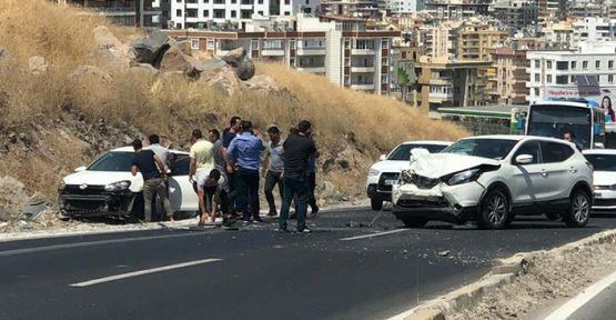 Urfa'da iki Otomobil Çarpıştı