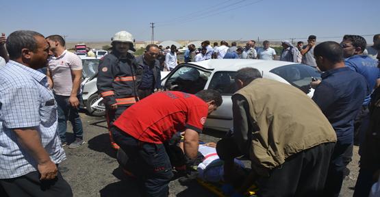 Şanlıurfa'da İki Otomobil Çarpıştı, 3 Yaralı