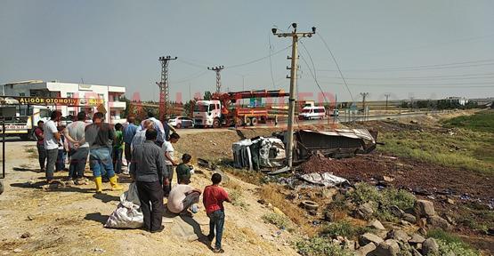 Suruç'ta Tır Meşrubat Yüklü Kamyoneti Çarptı, 1 Ağır Yaralı
