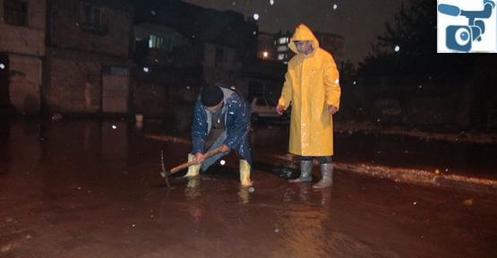 Şanlıurfa'da Evleri Su Bastı, Ekipleri Yetersiz Kaldı