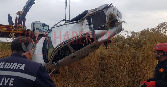 Urfa'da Otomobil Ve Motosiklet Şarampole Devrildi, 5 Yaralı