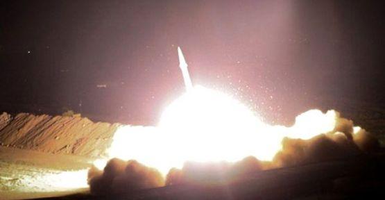İran, Irak'ta ABD üslerine füze ile saldırdı