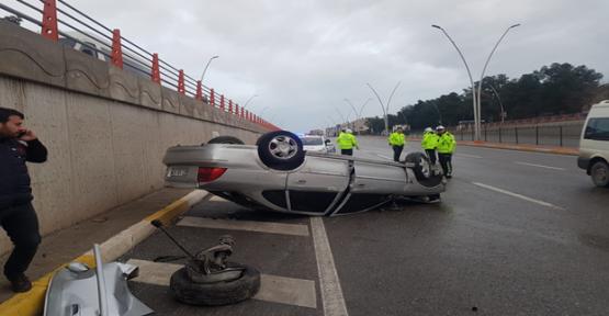 Urfa'da Otomobil Takla Attı, 1 Yaralı