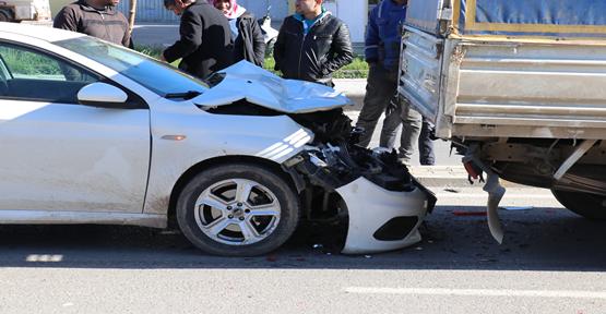 Urfa'da Pikap İle Otomobil Çapıştı, 1 Yaralı