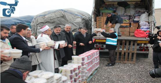 Şanlıurfa'dan 5 TIR İnsani Yardım malzemesi gönderildi