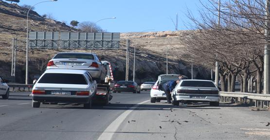 Urfa'da Araçlar Yolda Kaldı