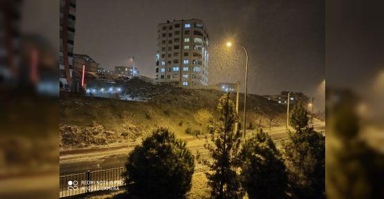 Urfa'da beklenen kar yağışı başladı!