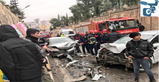 Urfa'da Sıkışmalı Kaza, 2 Yaralı
