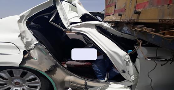 Şanlıurfa'da Otomobil Tırın Altına Girdi, 1 ölü, 2 Yaralı