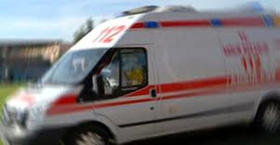 Urfa'da minibüsle kamyonet çarpıştı: 15 yaralı