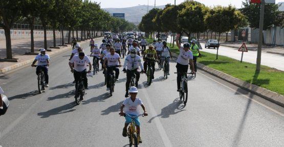 Şanlıurfa'da Yüzlerce Bisikletli Sağlık İçin Pedal Çevirdi