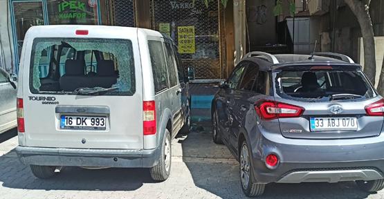 Urfa'da 11 aracın camı kırıldı