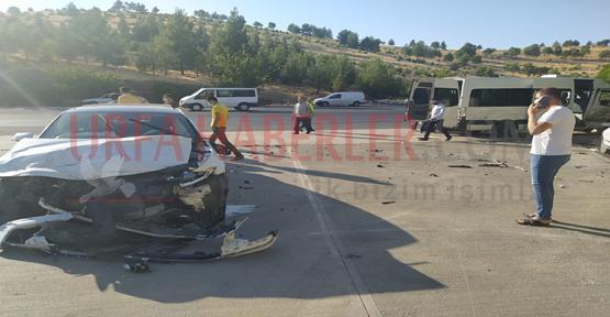 Şanlıurfa'da işçileri taşıyan servis ile otomobil çarpıştı, 15 yaralı