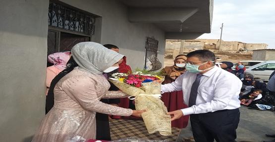 Organ nakli yaptırdığı hastasının nişan törenine katıldı