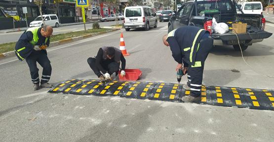 Elif'in ölümüne neden olan yola hız kesici bariyer yerleştirildi