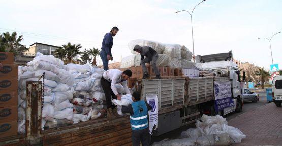 Urfa'dan İdlib'e insani yardım tırı gönderildi