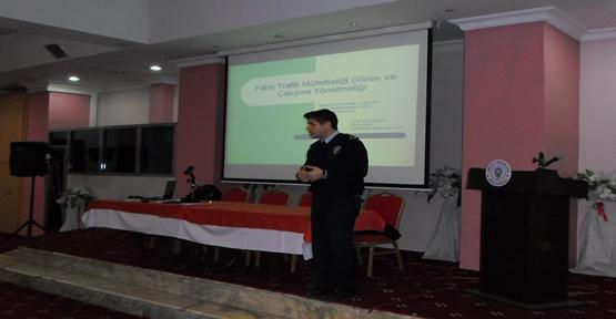 215 Fahri trafik müfettişine seminer