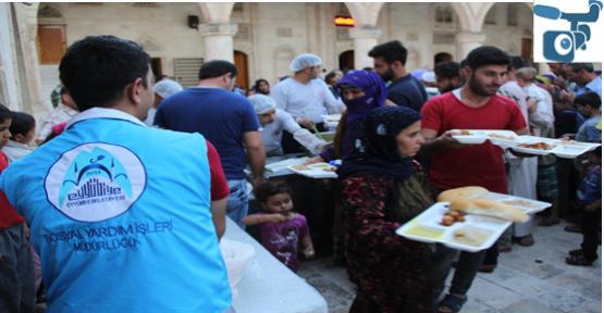 4 Ayrı yerde iftar sofrası kuruldu